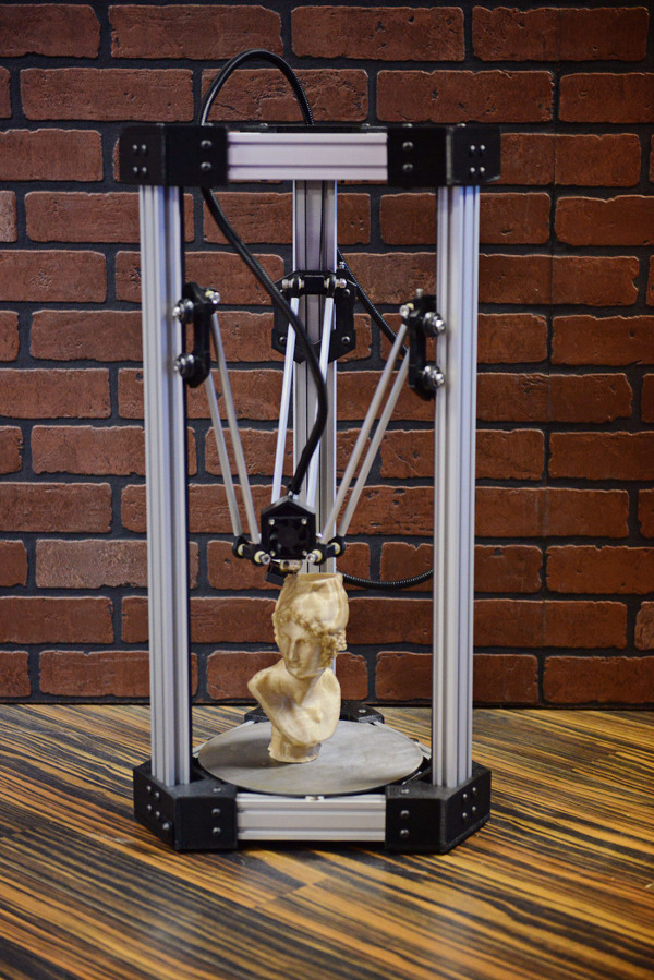 DeltaMaker-imprimante-3D-1