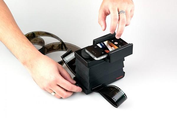 lomography-smartphone-film-scanner-1